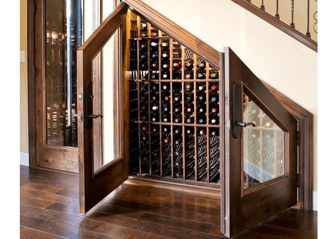 Trap wijnkelder
